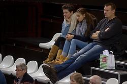 21-02-2016 NED: Bekerfinale Abiant Lycurgus - Landstede Volleybal, Almere<br /> Lycurgus viert een feestje als zij de Nationale beker winnen door Landstede Volleybal met 3-1 te verslaan / Arno van Solkema en Pien Stubbe