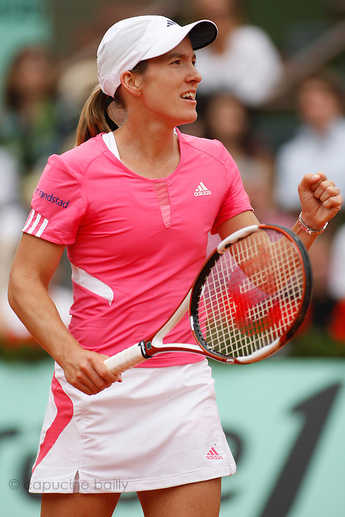 Roland Garros. Paris, France. June 7th 2007..1/2 Finals..Justine HENIN against Jelena JANKOVIC.