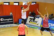 DESCRIZIONE : Folgaria Allenamento Raduno Collegiale Nazionale Italia Maschile <br /> GIOCATORE : Angelo Gigli<br /> CATEGORIA : tiro<br /> SQUADRA : Nazionale Italia <br /> EVENTO :  Allenamento Raduno Folgaria<br /> GARA : Allenamento<br /> DATA : 17/07/2012 <br />  SPORT : Pallacanestro<br />  AUTORE : Agenzia Ciamillo-Castoria/GiulioCiamillo<br />  Galleria : FIP Nazionali 2012<br />  Fotonotizia : Folgaria Allenamento Raduno Collegiale Nazionale Italia Maschile <br />  Predefinita :