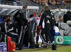 Football: Germany, DFB Cup<br /> Rafael van der Vaart injured (Hamburger SV, HSV)