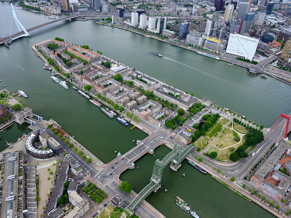 Nederland, Zuid-Holland, Rotterdam, 14-05-2020; Nieuwe Maas met Noordereiland, Koningshaven met Koningshavenbrug De Hef. Gezien naar de Erasmusbrug. <br /> Nieuwe Maas with Noordereiland, Koningshaven with Koningshavenbrug De Hef. In the direction of the Erasmus Bridge.<br /> <br /> luchtfoto (toeslag op standard tarieven);<br /> aerial photo (additional fee required)<br /> copyright © 2020 foto/photo Siebe Swart