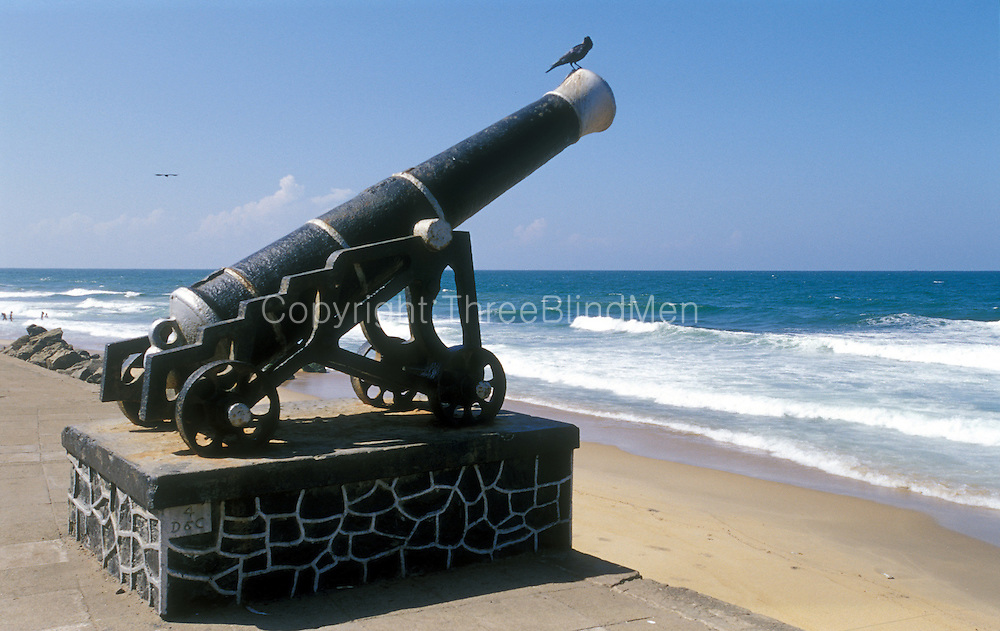 Colombo - old canon on the waterfront in the City Centre. In front of the Presidents office and near Galle Face Green.