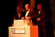 Uitreiking Koning Willem 1 Prijs in theater Diligentia in den Haag.<br /> <br /> <br /> <br /> Presentation of the King Willem 1 award for best inovating company in the Hague.<br /> <br /> <br /> <br /> Op de foto/ On the photo DNB-president Nout Wellink