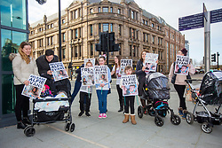 """© Licensed to London News Pictures. 01/02/2018. Liverpool UK. Supporters of Alfie Evans at Liverpool Civil & Family Court today. Tom Evans and Kate James from Liverpool are in dispute with medics looking after their son 19-month-old son Alfie Evans, at Alder Hey Children's Hospital in Liverpool. Alfie is in a """"semi-vegetative state"""" and had a degenerative neurological condition doctors have not definitively diagnosed. Specialists at Alder Hey say continuing life-support treatment is not in Alfie's best interests but the boy's parents want permission to fly their son to a hospital in Rome for possible diagnosis and treatment.Photo credit: London News Pictures"""