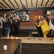 NLD/Berkel en Rodernrijs/20190311 - Boekpresentatie Dunya, een Hemels Hondenleven van Monique Westenberg met partner Andre Hazes worden gefotografeerd