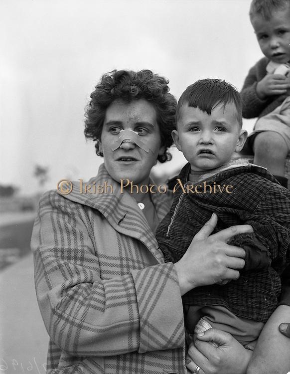 29/09/1960<br /> 09/29/1960<br /> 29 September 1960<br /> Sheridan family house fire at Walkinstown, Dublin. Mrs Sheridan and her son James (2).