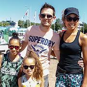 NLD/Amsterdam/20180701 - Evers staat op Run 2018, Amara Onwuka met partner Jeroen en kinderen