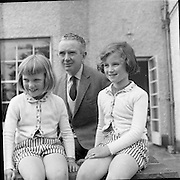 Vincent O'Brien and his family at home..12.05.1961