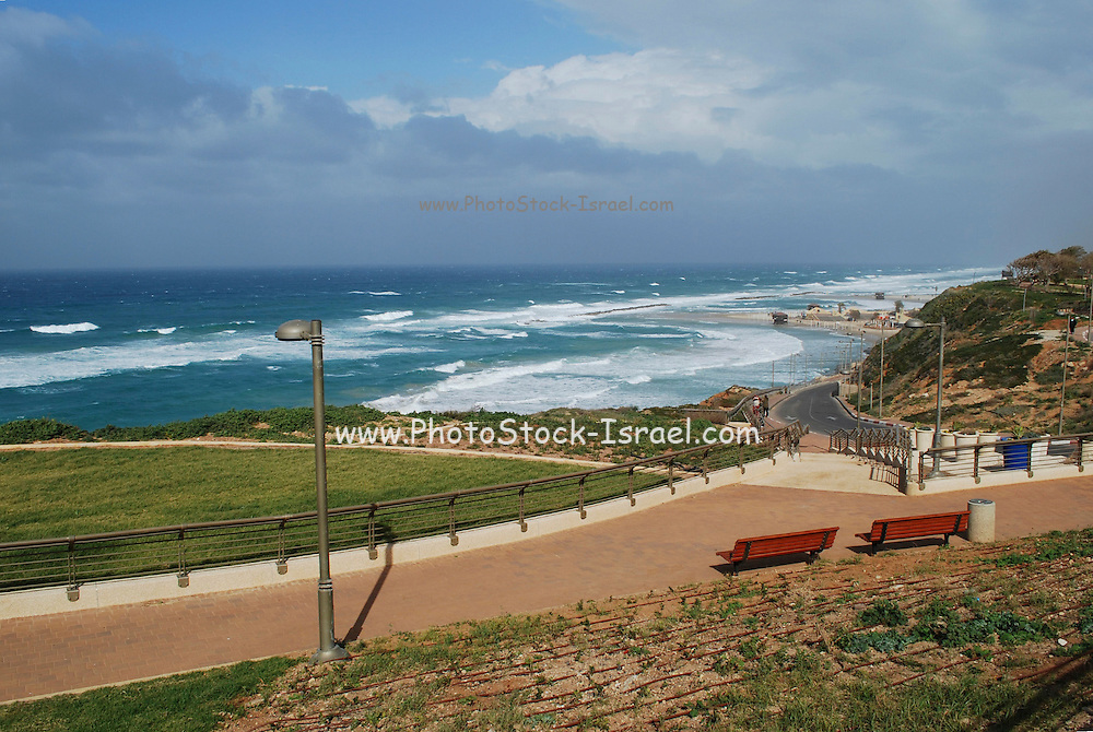 Israel, Sharon plain, Netanya, the beach from promenade