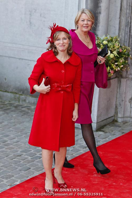 BEL/Brussel/20101120 - Huwelijk prinses Annemarie de Bourbon de Parme-Gualtherie van Weezel en bruidegom Carlos de Borbon de Parme, zwangere prinses Margarita als bruidsmeisje