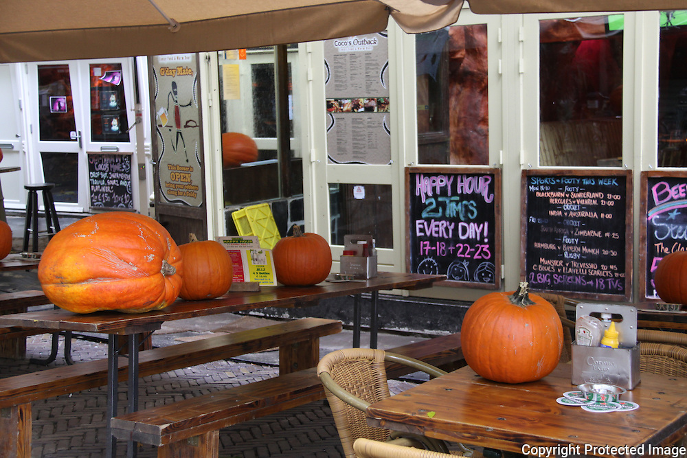 Halloween at cafe near Rembrandtplein