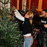 NLD/Amsterdam/20111208- Sky Radio Christmas tree for Charity, Charly Luske en partner Tanja Jess