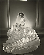 Wedding photo of Japanese-American bride in Los Angeles<br />