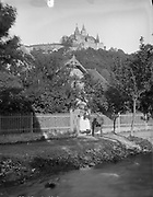 Incredible Photos Capture Everyday Life of Germany in the Early 1880s <br /> <br /> Carl Curman (1833 &ndash; 1913) was a Swedish physician and a scientist - as well as a prominent amateur photographer. He did a lot of travelling abroad in Europe, mainly to study health resorts, but also to study art and architecture. These  Incredible photos  were taken in Germany in the early 1880s when he traveled there.<br /> <br /> Photo shows: Women in Wernigerode (Wernigerode Castle on a hill in the background), 1885<br /> &copy;Swedish National Heritage Board/Exclusivepix Media