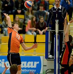 29-12-2014 NED: Eurosped Volleybal Experience Nederland - Belgie -19, Almelo<br /> Nederland verliest met 3-2 van Belgie / Twan Wiltenburg