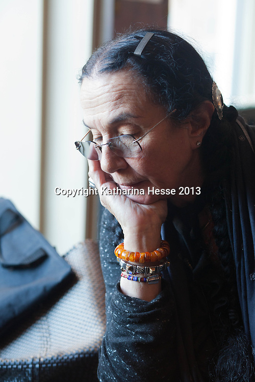 Oslo, Feb.24, 2013 : American photographer Mary Ellen Mark reviews her presentation in a hotel.
