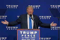November 6, 2016 - Sioux City, Iowa, U.S - Donald Trump delivers remarks to an overflow crowd of 5000 supporters that packed the Sioux CIty, convention center this morning. (Credit Image: © Mark Reinstein via ZUMA Wire)