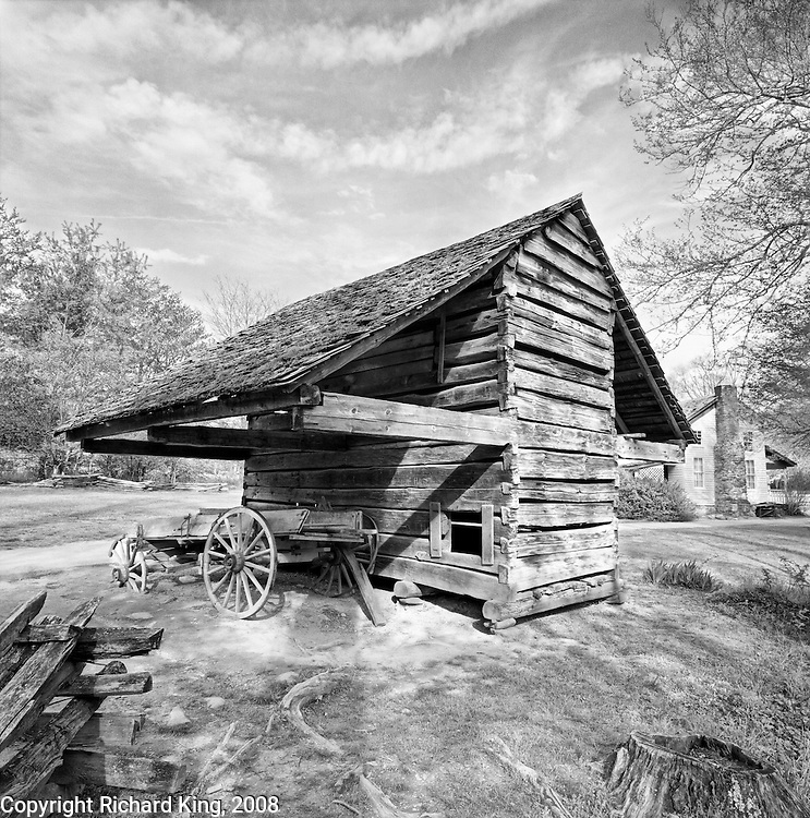 Cantilever barn, Cable Mill