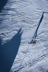 THEMENBILD - ein Tourengeher wirft einen Schatten auf die Piste, aufgenommen am 23. Januar 2020 in Kaprun, Österreich // shadow from a touring skier on the piste, Kaprun, Austria on 2020/01/23. EXPA Pictures © 2020, PhotoCredit: EXPA/ JFK