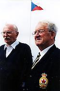 Bob Tackley(left), British D-Day veteran, in Courseulles in June 2004, and his friend David (Canadian veteran)