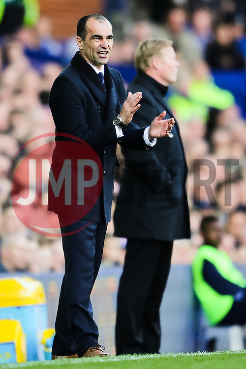 Everton Manager, Roberto Martinez applauds his team - Photo mandatory by-line: Matt McNulty/JMP - Mobile: 07966 386802 - 04/04/2015 - SPORT - Football - Liverpool - Goodison Park - Everton v Southampton - Barclays Premier League
