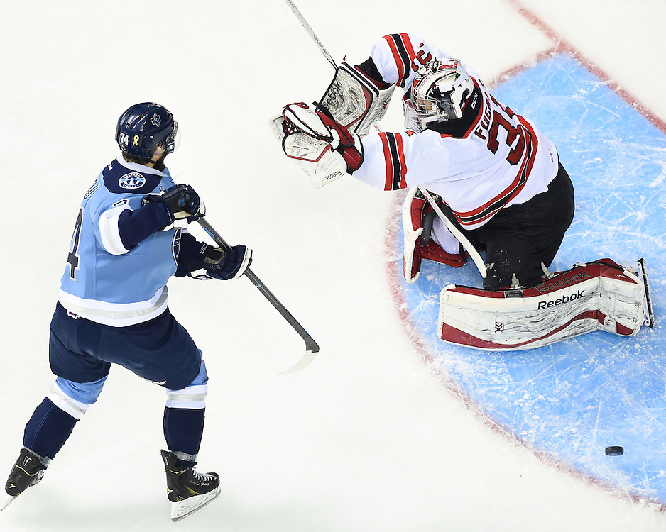 Action from the tie-breaker game at the 2015 MasterCard Memorial Cup between the Rimouski Oceanic and Quebec Remparts at Pepsi Colisee in Quebec City on Thursday, May 28, 2105. Photo by Aaron Bell/CHL Images