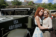 "THE NETHERLANDS-THE HAGUE-  August 8, 2005. Cast and crew of the Dutch film 'Zwartboek'. Actresses Carice van Houten (L) and Halina Reijn. PHOTO: GERRIT DE HEUS..Den Haag. 26/08/05. De cast en crew van de Nederlandse film ""Zwartboek"" op het Plein in Den Haag. Carice van Houten(L) en Halina Reijn."