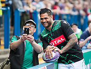 Pau's Frank Halai poses for a selfie with a fan<br /> <br /> Photographer Simon King/Replay Images<br /> <br /> European Rugby Challenge Cup - Semi Final - Cardiff Blues v Pau - Saturday 21st April 2018 - Cardiff Arms Park - Cardiff<br /> <br /> World Copyright &copy; Replay Images . All rights reserved. info@replayimages.co.uk - http://replayimages.co.uk