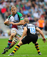 London - Saturday, 5th September, 2009: Mark Van Gisbergen of London  Wasps  and David Strettle of Harlequins during the Guinness Premiership match at Twickenham, London. ..(Pic by Alex Broadway/Focus Images)