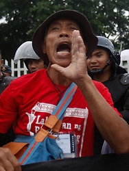 September 11, 2017 - Philippines - A protester shouts slogans during a rally coincide the 100th birth anniversary of the late Philippine strongman Ferdinand Marcos at the Heroes' Cemetery in Taguig City. (Credit Image: © Richard James M. Mendoza/Pacific Press via ZUMA Wire)