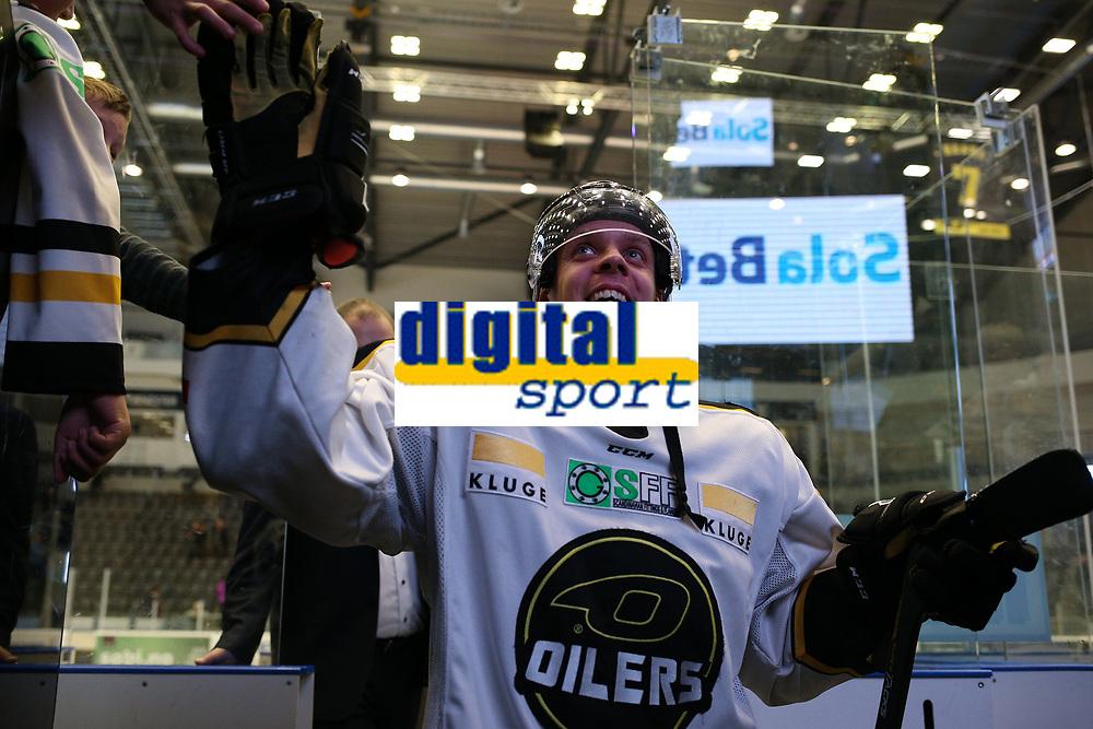 GET-ligaen Ice Hockey, 27. october 2016 ,  Stavanger Oilers v Stjernen<br /> Markus Søberg fra Stavanger Oilers etter kampen mot Stjernen<br /> Foto: Andrew Halseid Budd , Digitalsport