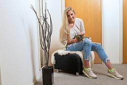 04-05-2016 NED: Portret Laura Dijkema, Beilen<br /> Laura Dijkema thuis bij haar moeder en oma voor Volleybalkrant Magazine