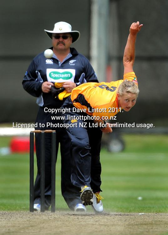 Blaze bowler Sophie Devine. Women's Twenty20 cricket - Wellington Blaze v Canterbury Magicians at Barton Oval, Upper Hutt, Wellington on Tuesday, 4 January 2011. Photo: Dave Lintott / photosport.co.nz