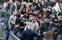 20.10.2016, Red Bull Arena, Salzburg, AUT, UEFA EL, FC Red Bull Salzburg vs OGC Nizza, Gruppe I, im Bild Präsident Jean Pierre Rivere (OGC Nizza) bei de Fans // President Jean Pierre Riviere (OGC Nice) at his Supporters during the UEFA Europa League group I match between FC Red Bull Salzburg and OGC Nizza at the Red Bull Arena in Salzburg, Austria on 2016/10/20. EXPA Pictures © 2016, PhotoCredit: EXPA/ JFK