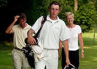 AMBT-DELDEN - Winnaar Jan Willem van Hoof met trotse ouders.  NK Matchplay golf op de Twentsche GC. COPYRIGHT KOEN SUYK