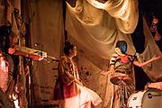 MARIE-ÈVE GROULX / COLLECTIF TÔLE. BÉBÉS FONTAINE. FESTIVAL PHÉNOMENA 2018<br /> Vendredi 19 octobre 2018. Idéation, montage des textes et mise en scène: Marie-Ève Groulx. Installation et contenu visuel: Geneviève Grenier. Collaboratrices et interprètes: Catherine-Audrey Lachapelle et Geneviève Labelle. Direction technique, régisseuse et éclairagiste: Lisandre Coulombe. Concepteur/technicien vidéo: Renaud C Jobin Delaquis. Support dramaturgique: Maxime Brillon. Vidéo d'introduction: Collectif Tôle