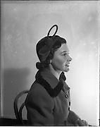 06/09/1952.09/06/1952.06 September 1952.Hats for Autumn by McBineys, advertising special for Domas.