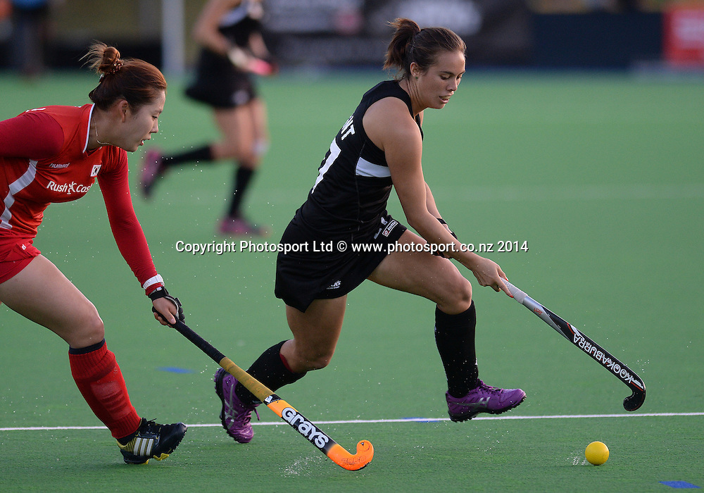 Jordan Grant on the attack. International Womens Hockey. New Zealand Black Sticks v Korea. Auckland. New Zealand. Friday 28 March 2014. Photo: Andrew Cornaga / www.photosport.co.nz