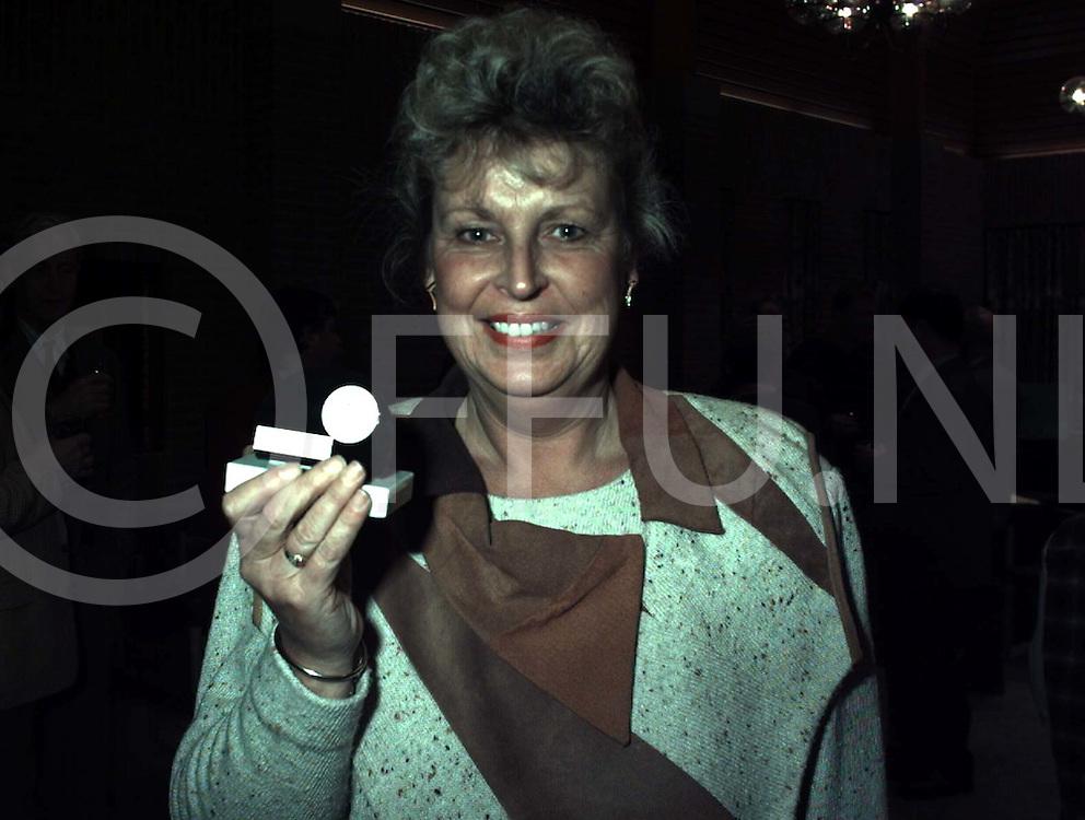 wijhe : sallandse pluim voor lerares..foto frank uijlenbroek@1995
