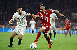 11.04.2018, Allianz Arena, Muenchen, GER, UEFA CL, FC Bayern Muenchen vs Sevilla FC, Viertelfinale, R&uuml;ckspiel, im Bild Jesus Navas und Franck Ribery // during the UEFA Champions League Quarterfinal, 2nd leg Match between FC Bayern Muenchen vs Sevilla FC at the Allianz Arena in Muenchen, Germany on 2018/04/11. EXPA Pictures &copy; 2018, PhotoCredit: EXPA/ SM<br /> <br /> *****ATTENTION - OUT of GER*****