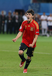 DAVID VILLA CELEBRATES.SPAIN V ITALY.SPAIN V ITALY, EURO 2008.ERNST-HAPPEL STADIUM, VIENNA, AUSTRIA.22 June 2008.DIU80087..  .WARNING! This Photograph May Only Be Used For Newspaper And/Or Magazine Editorial Purposes..May Not Be Used For, Internet/Online Usage Nor For Publications Involving 1 player, 1 Club Or 1 Competition,.Without Written Authorisation From Football DataCo Ltd..For Any Queries, Please Contact Football DataCo Ltd on +44 (0) 207 864 9121