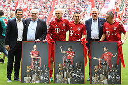 18.05.2019, Allianz Arena, Muenchen, GER, 1. FBL, FC Bayern Muenchen vs Eintracht Frankfurt, 34. Runde, Meisterfeier nach Spielende, im Bild Abschied von Arjen Robben, Rafinha und Frank Ribery, von links: Hasan Salihamidciz, Uli Hoeneß, Arjen Robben, Rafinha Karl-Heinz Rummenigge und Franck Ribery // during the celebration after winning the championship of German Bundesliga season 2018/2019. Allianz Arena in Munich, Germany on 2019/05/18. EXPA Pictures © 2019, PhotoCredit: EXPA/ SM<br /> <br /> *****ATTENTION - OUT of GER*****