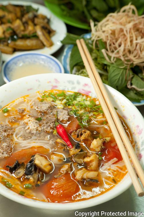 bun oc, snails in rice noodle soup, Bun Oc Thanh Hai, Ho Chi Minh CIty, Vietnam