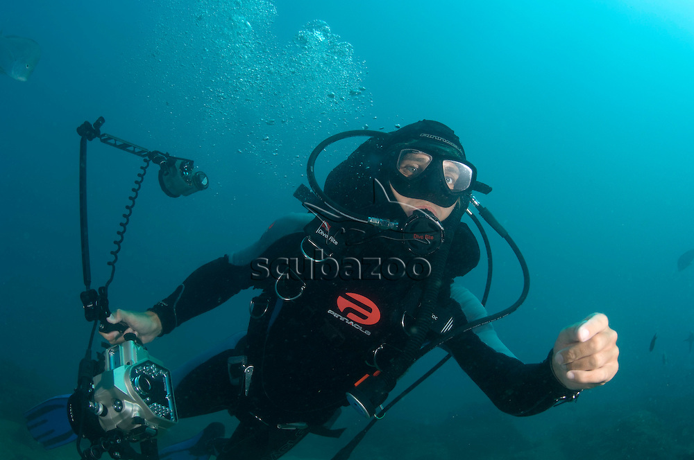 Roger Munns with photography gear, Sodwana Bay, South Africa