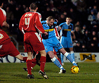Photo. Richard Lane.<br /> Wycombe Wanderers v Leyton Orient. Coca Cola League Two. 29/12/2005.