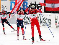Skiskyting<br /> IBU Verdenscup / World Cup<br /> Hochfilzen østerrike<br /> 10.12.2006<br /> Stafett<br /> Foto: Gepa/Digitalsport<br /> NORWAY ONLY<br /> <br /> Lowell Bailey (USA) und Alexander Os (NOR)