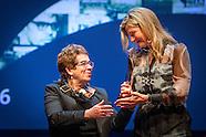 Koningin Maxima reikt vrijdagmiddag 2 december de Prins Bernhard Cultuurfonds Prijs 2016 uit aan doc