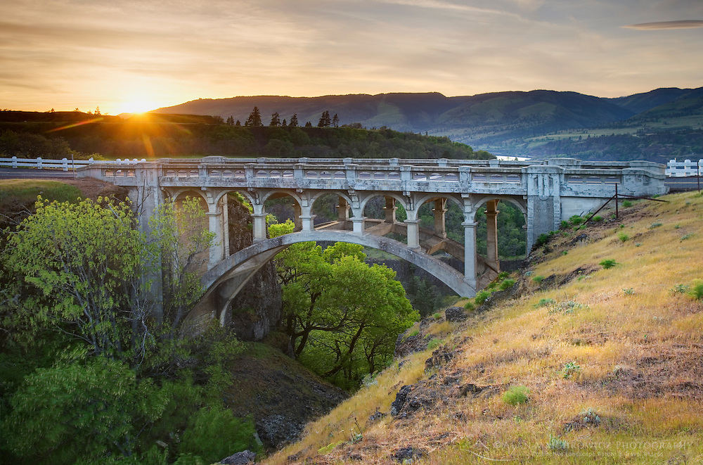 Bridge, Historic Columbia River Highway at Rowena Crest, Columbia River Gorge National Scenic Area, Oregon