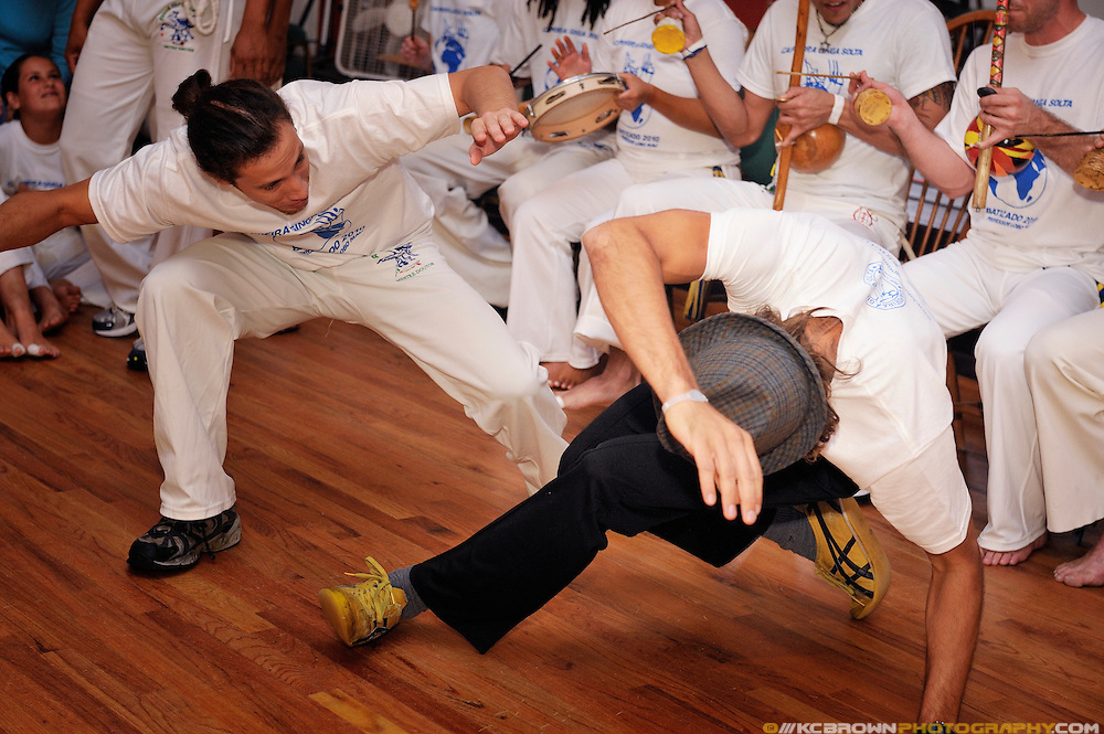 Professor Lobo Mau hosted his first Batizado for Capoeira Ginga Solta USA. The Batizado is a special event designed to celebrate Capoeira students and their progress. The event included performances, solos demonstrations and the ceremonial belt test.