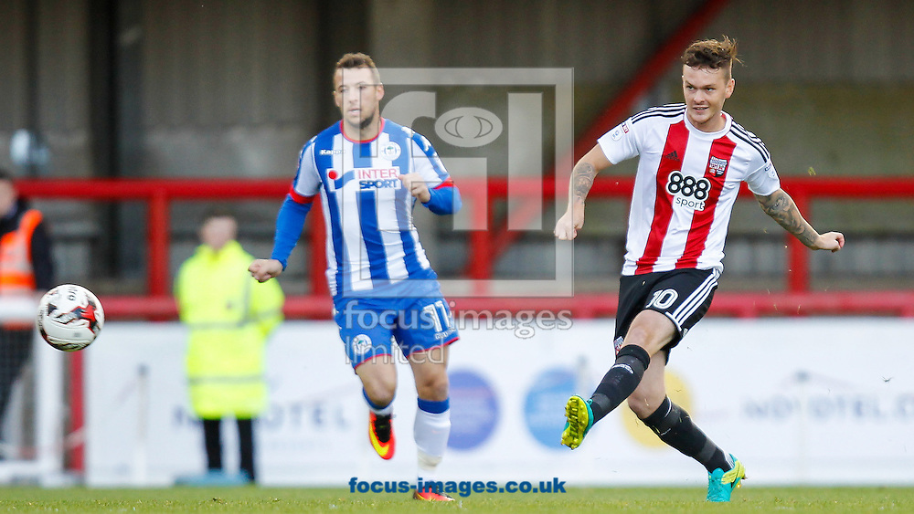 Josh McEachran of Brentford during the Sky Bet Championship match between Brentford and Wigan Athletic at Griffin Park, London<br /> Picture by Mark D Fuller/Focus Images Ltd +44 7774 216216<br /> 01/10/2016